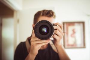 camera-lens-photographer195-1560x1040